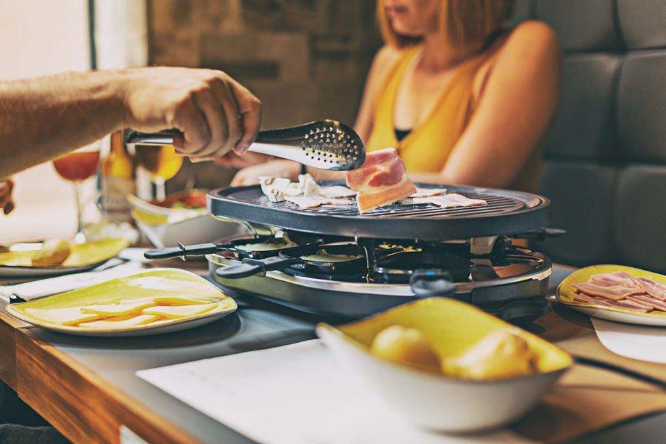 Abril es tiempo de raclette en compañía